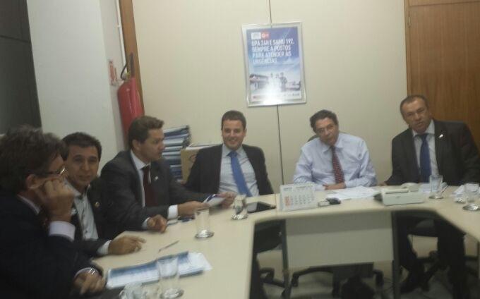 Paulo Guedes pede recursos para Santa Casa e hospitais regionais do Norte de Minas